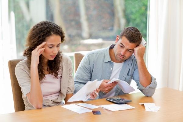 Как делятся долги по кредитам при разводе сколько приставы взыскивают долги