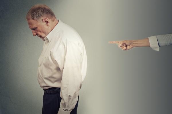 Увольнение пенсионера по статье