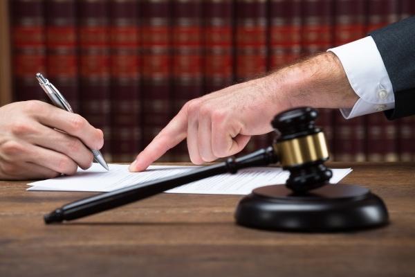 Подписание доверенности на представление интересов в суде