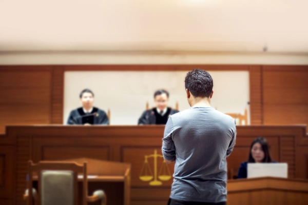 На суде